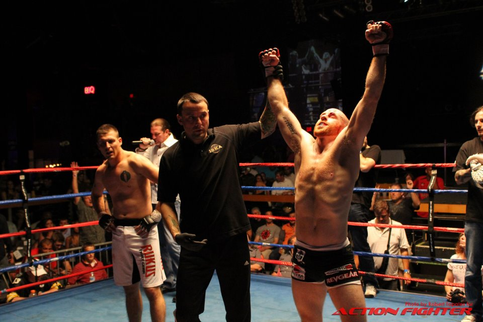 Upchurch Submits Opponent in First Round